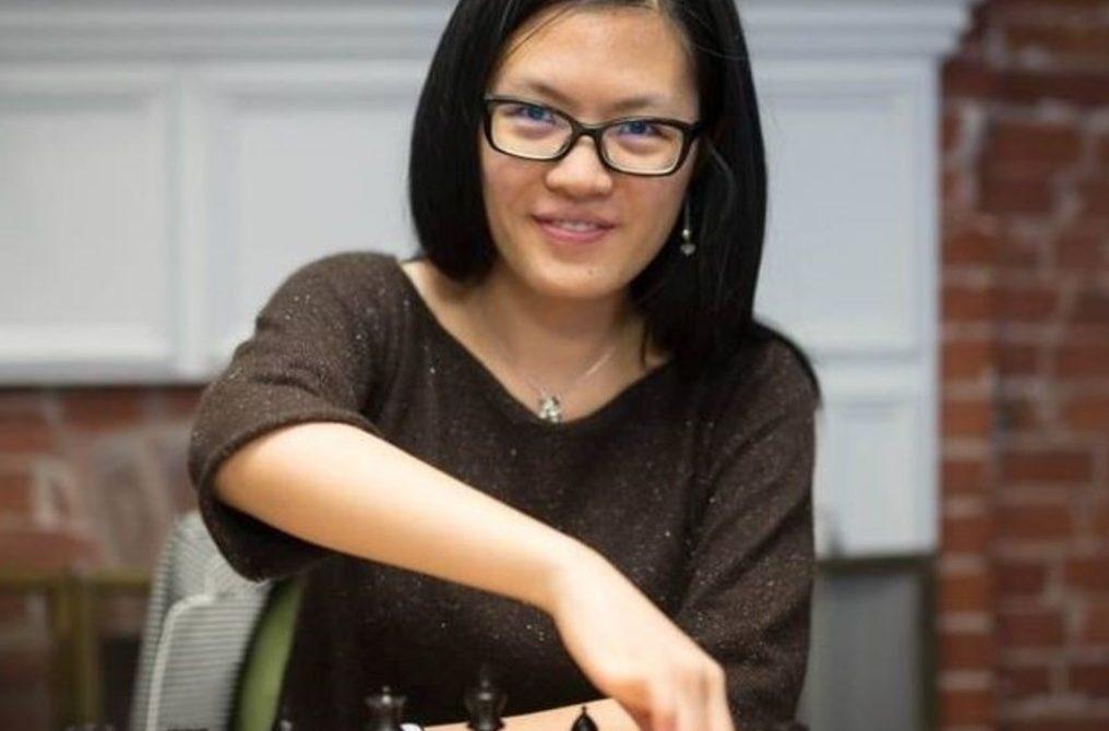 Hou Yifan 2